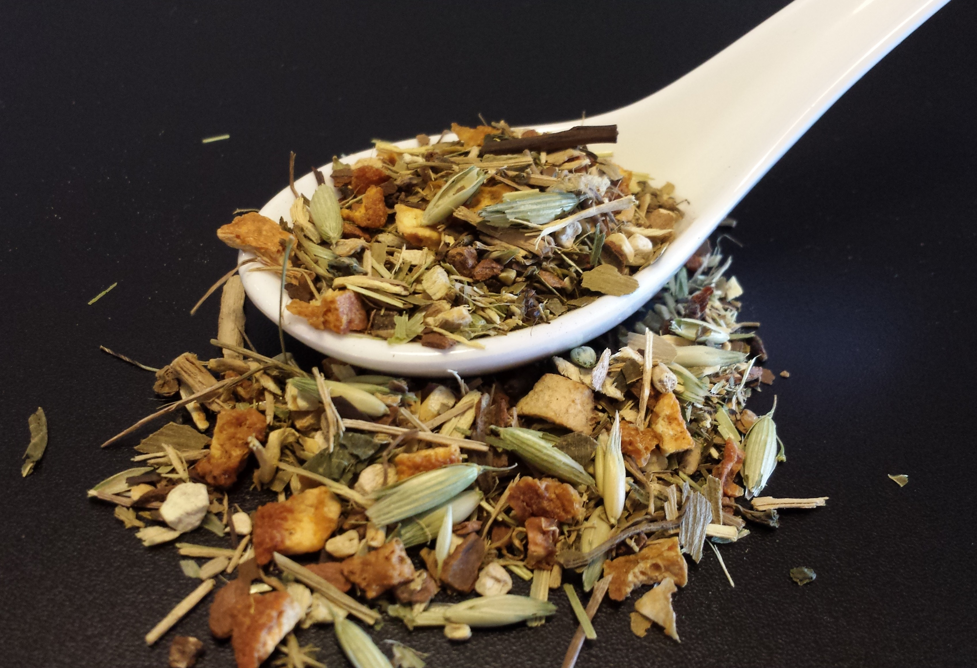 Energy Pop, energize your day, tisane, herbal tea, eleuthero root, cinnamon, orange peel, ashwagandha root, ginkgo biloba, gotu kola, nettle, oatstraw, oat tops, ginger root, blackberry leaf, blood orange, yerba mate, astragalus root