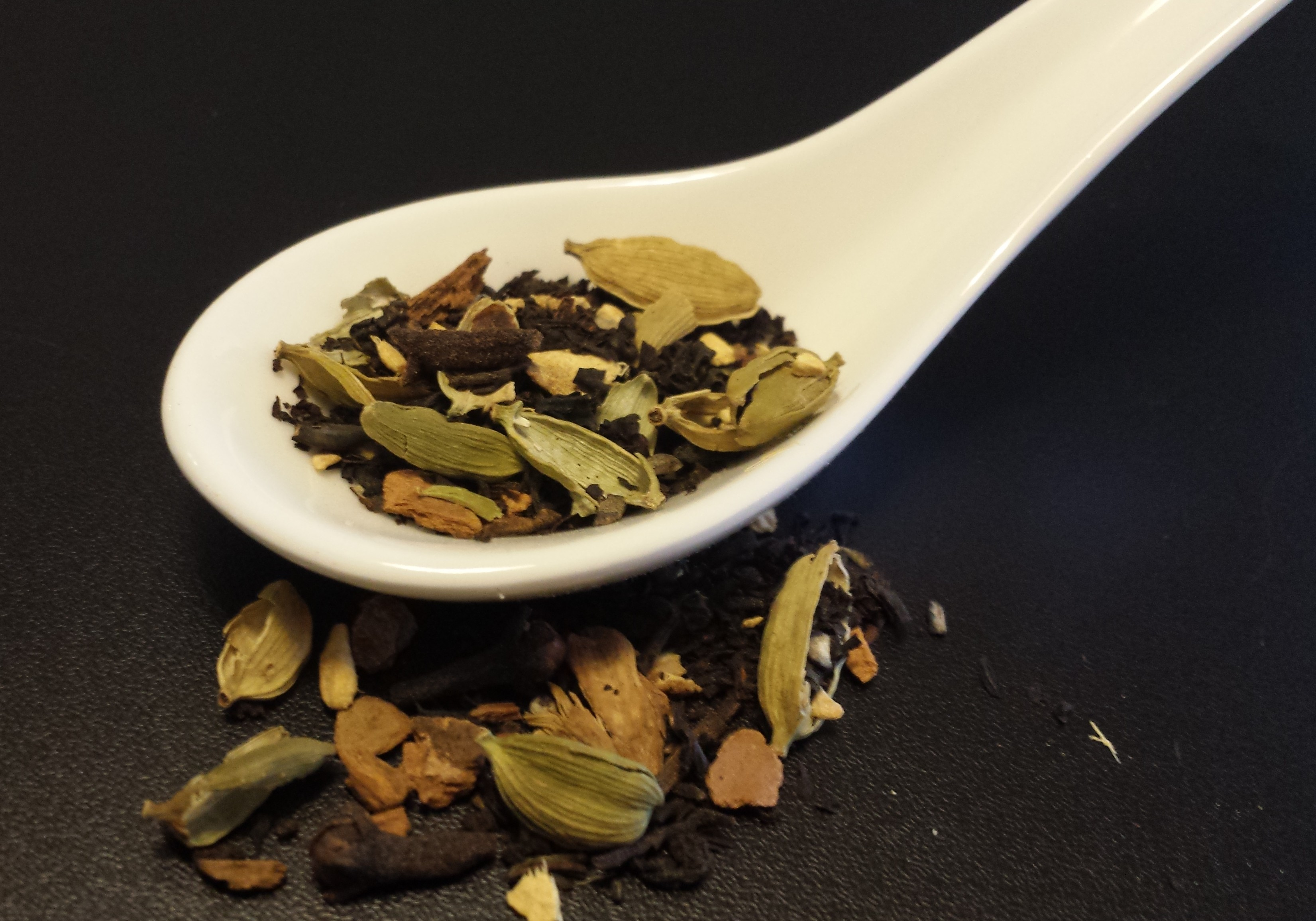 Masala chai, black tea, cinnamon, cloves, cardamom, ginger, pepper, Indian tea, chai