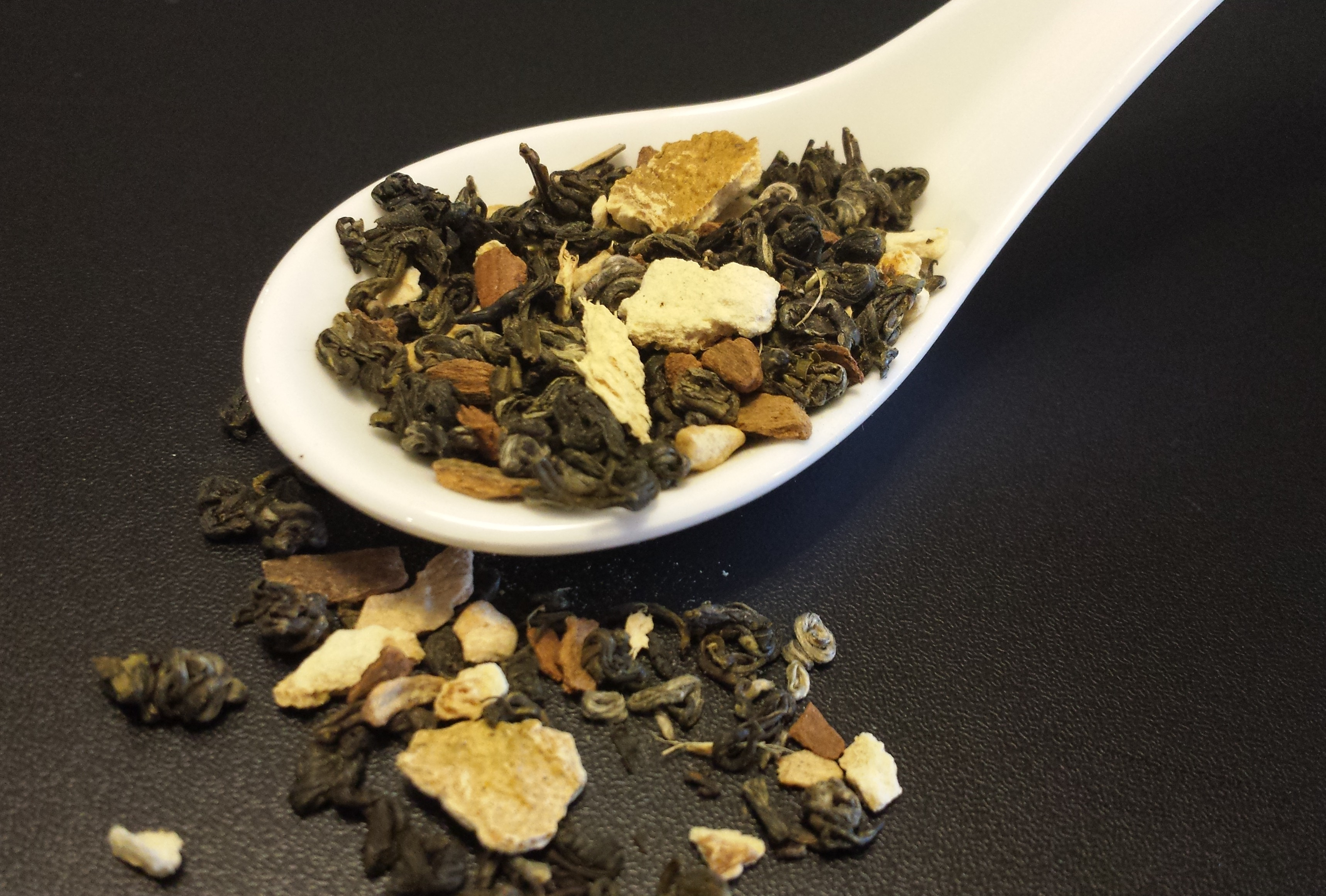 Touch of Spice, green tea, Pi Lo Chun, cinnamon, orange, ginger